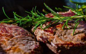 מתכוני בשר חגיגיים: מנות עיקריות לכל אירוע