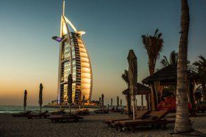 מחפשים עבודה בדובאי? אתר פלייג'וב יכול לעזור לכם